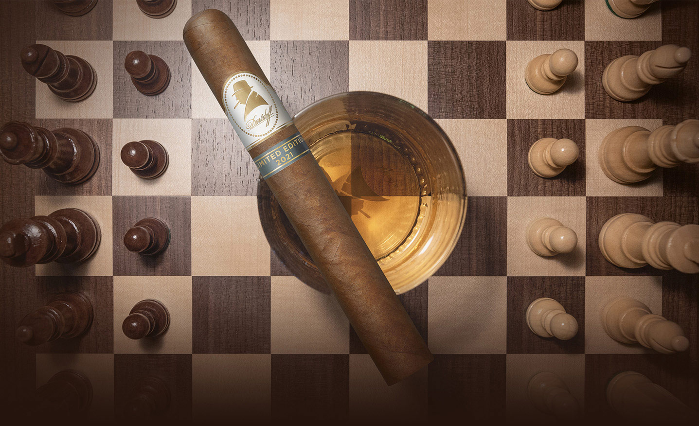 The Davidoff Winston Churchill Cigar 2021 with a whisky glass