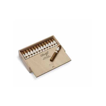 Davidoff Signature Petit Corona, Box of 25