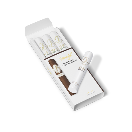 Davidoff Millennium Blend Robusto, Pack of 3 Tubos